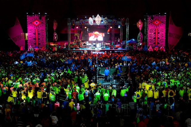 The closing ceremony saw athletes, volunteers and Port Moresby come together for one big party. Photo by Joanna Lester.