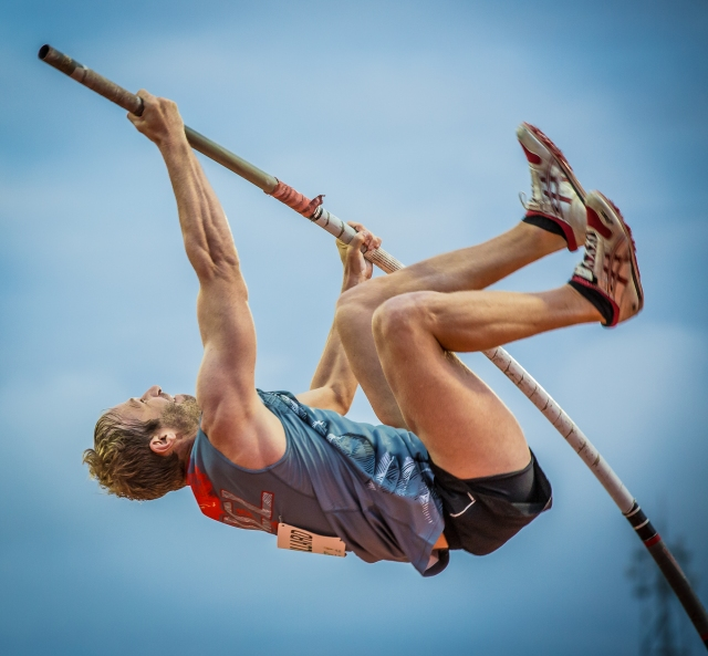 Eric Reuillard (NCL) won the men's pole vault at Port Moresby 2015. Photo by Dave Buller.